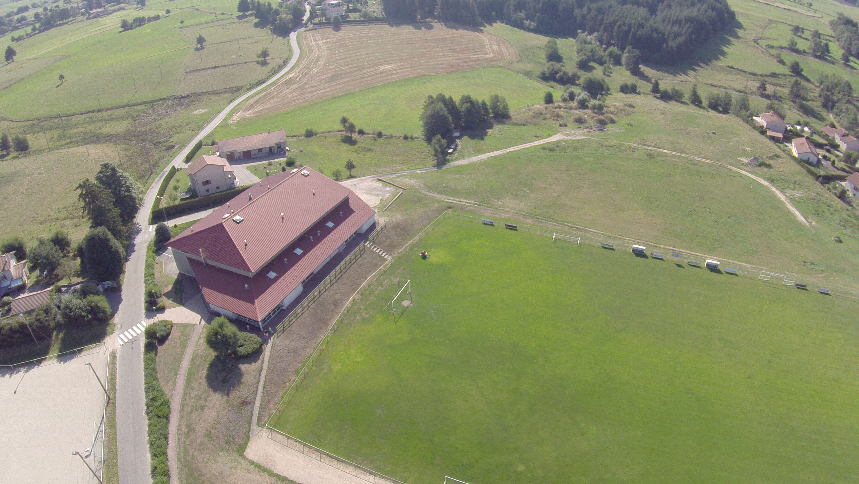 terrain-foot-et-gymnase